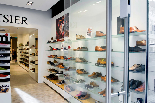 b7cf1235569 Dema Interieurbouw Winkelinterieur - Koetsier schoenen, Woerden ...