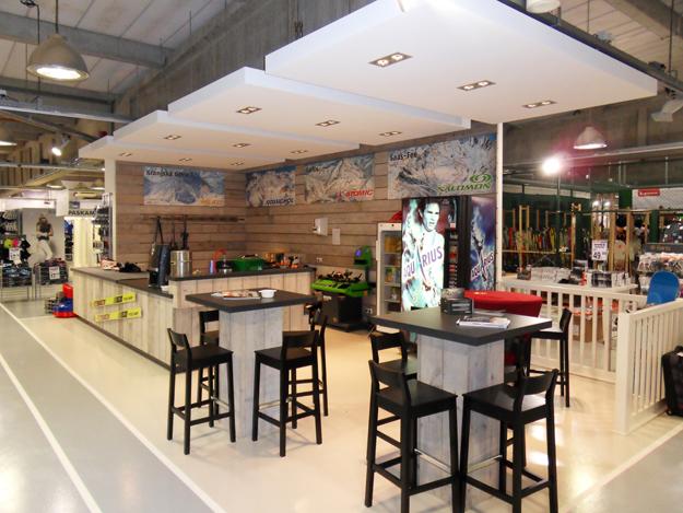 Dema interieurbouw winkelinterieur sportwinkel for Interieur winkel utrecht